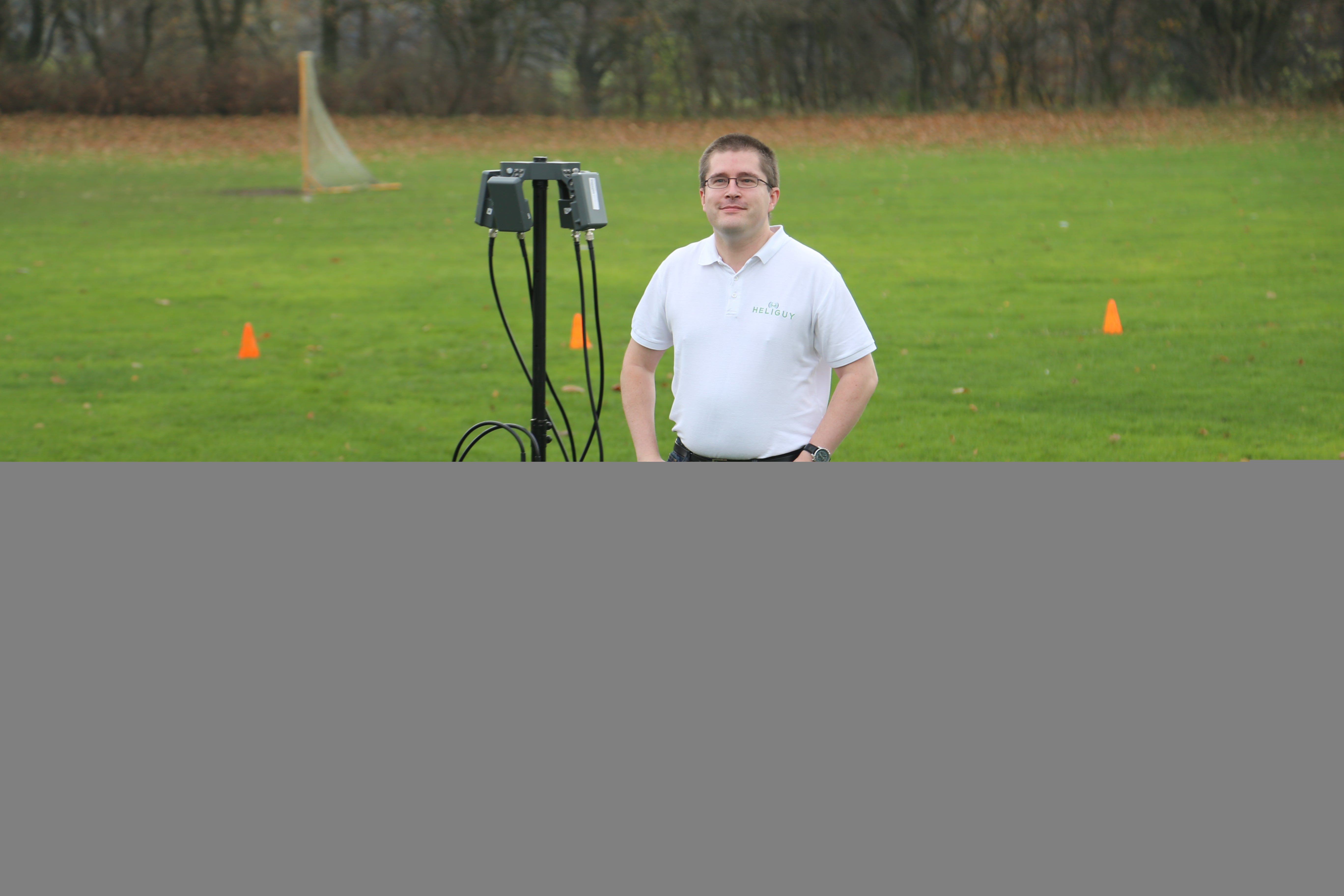 Heliguy's Kevin Morton with the G8 antenna.