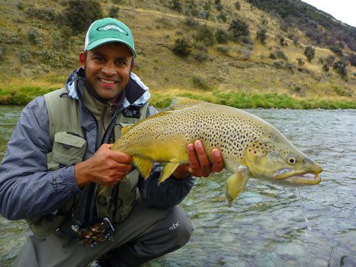 Rob vaz, trophy brown trout, fishing a mouse fly, mouse feeding trout, new zealand back country fishing south island NZ, guides, scott rods