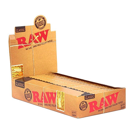 "Raw Classic 1 1/4"" Rolling Papers"