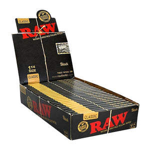 "Raw Classic Black 1 1/4"" Rolling Papers"