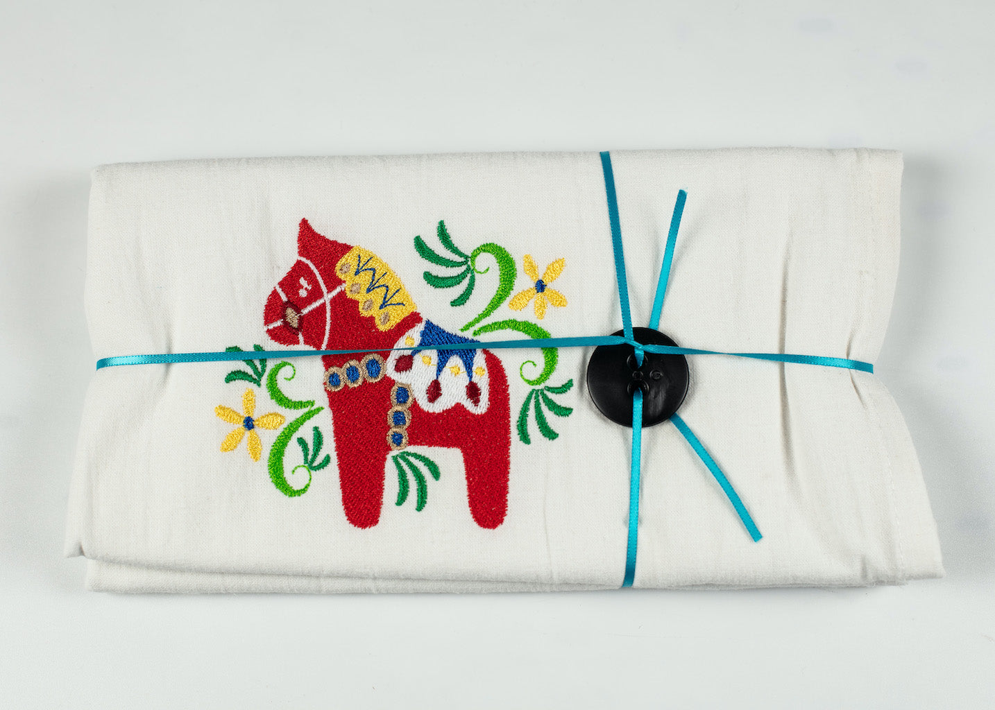 "RED DALA HORSE EMBROIDERED FLOURSACK TOWEL 32"" X 36"" MADE IN ST. BONIFACIUS MN"