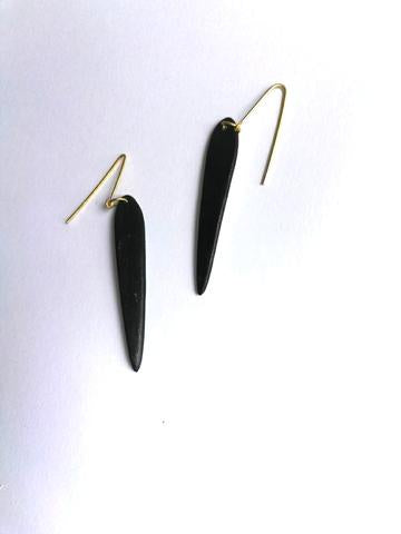 LONG BLACK EARRING