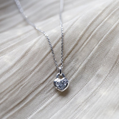 LOVELOCK | Natural White Colourless Sapphire 18kt White Gold Necklace