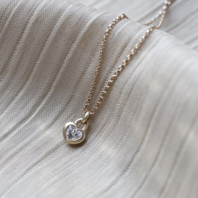 LOVELOCK | Natural White Colourless Sapphire 18kt Yellow Gold Necklace
