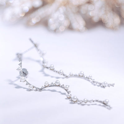 DEW | Natural Diamond & Tiny Pearl 18kt Earrings