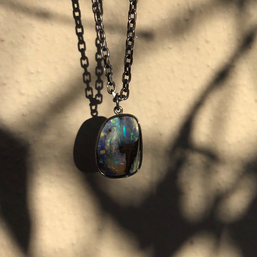 OPAL PENDANT IN OXIDISED STERLING SHELL