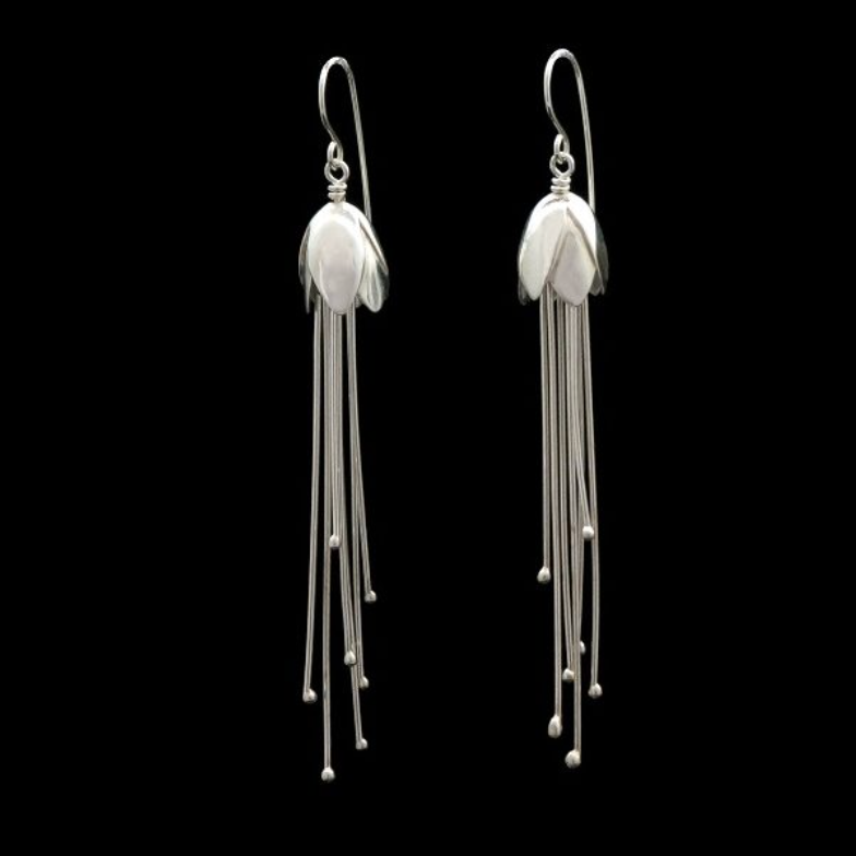 BERMUDA SNOW DROP EARRINGS WITH DANGLING STAMENS