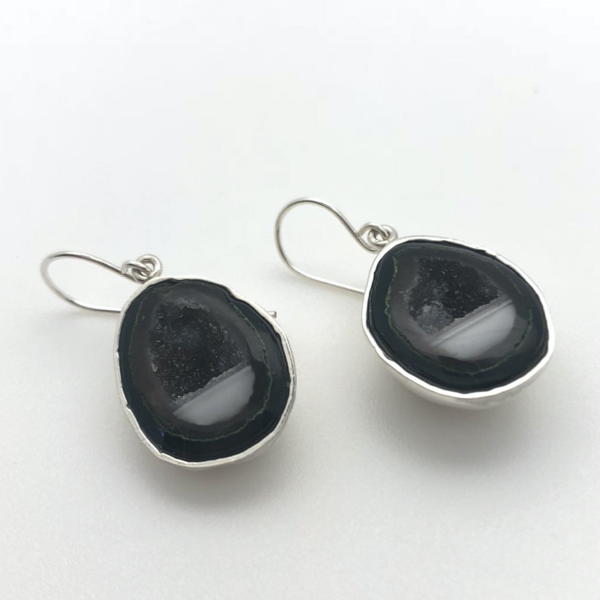 BABY GEODE EARRINGS WITH STERLING SHELL