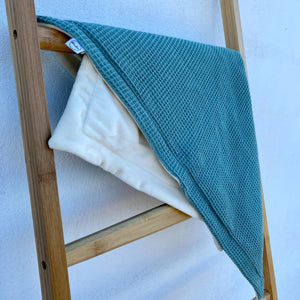 Manta Nest Mold Green | Blankie | Babarola