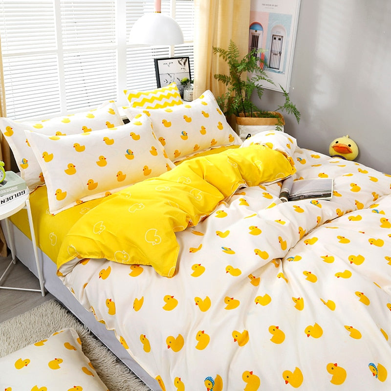 4pcs/set High Quality Cartoon Little Yellow Duck Bedding Set Bed Linings Duvet Cover Bed Sheet Pillowcases Cover Set  55