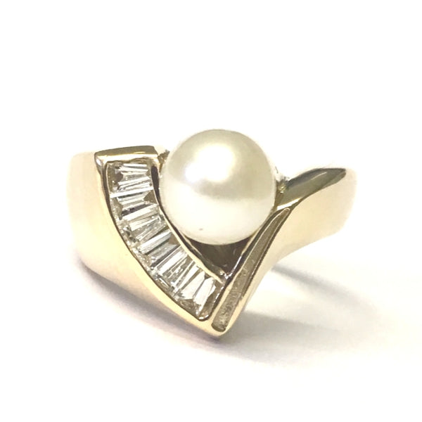 Preowned Yellow Gold Cultured Pearl and Diamond Ring