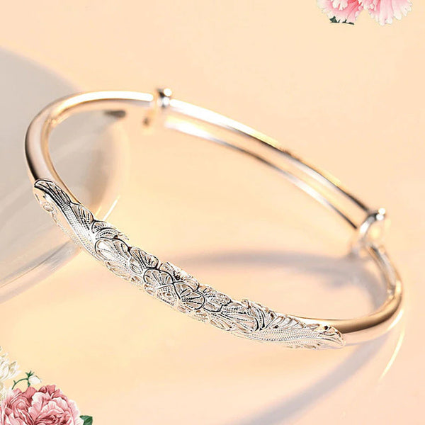 Exquisite Flower Bangle