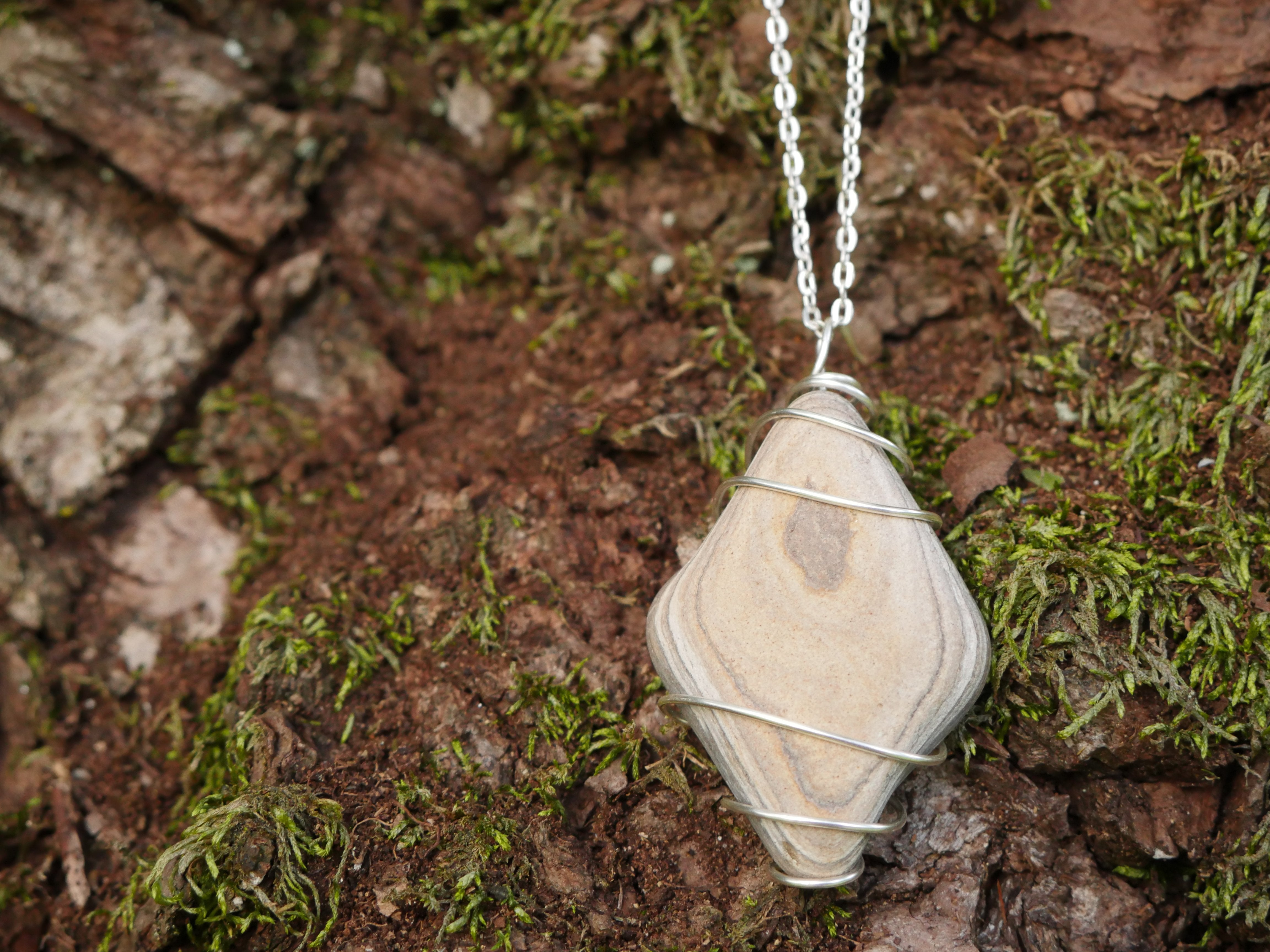 Grey white wire wrapped stone chain necklace