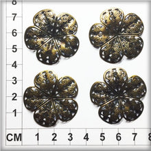 Load image into Gallery viewer, CH016 Filigree Flowers #8