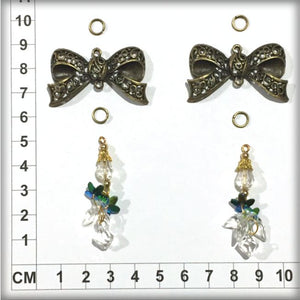 CH1002 2 Bow Charms + 4 Jump Rings + 2 Hanging Gems