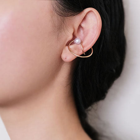 Crossing Circles Earcuff