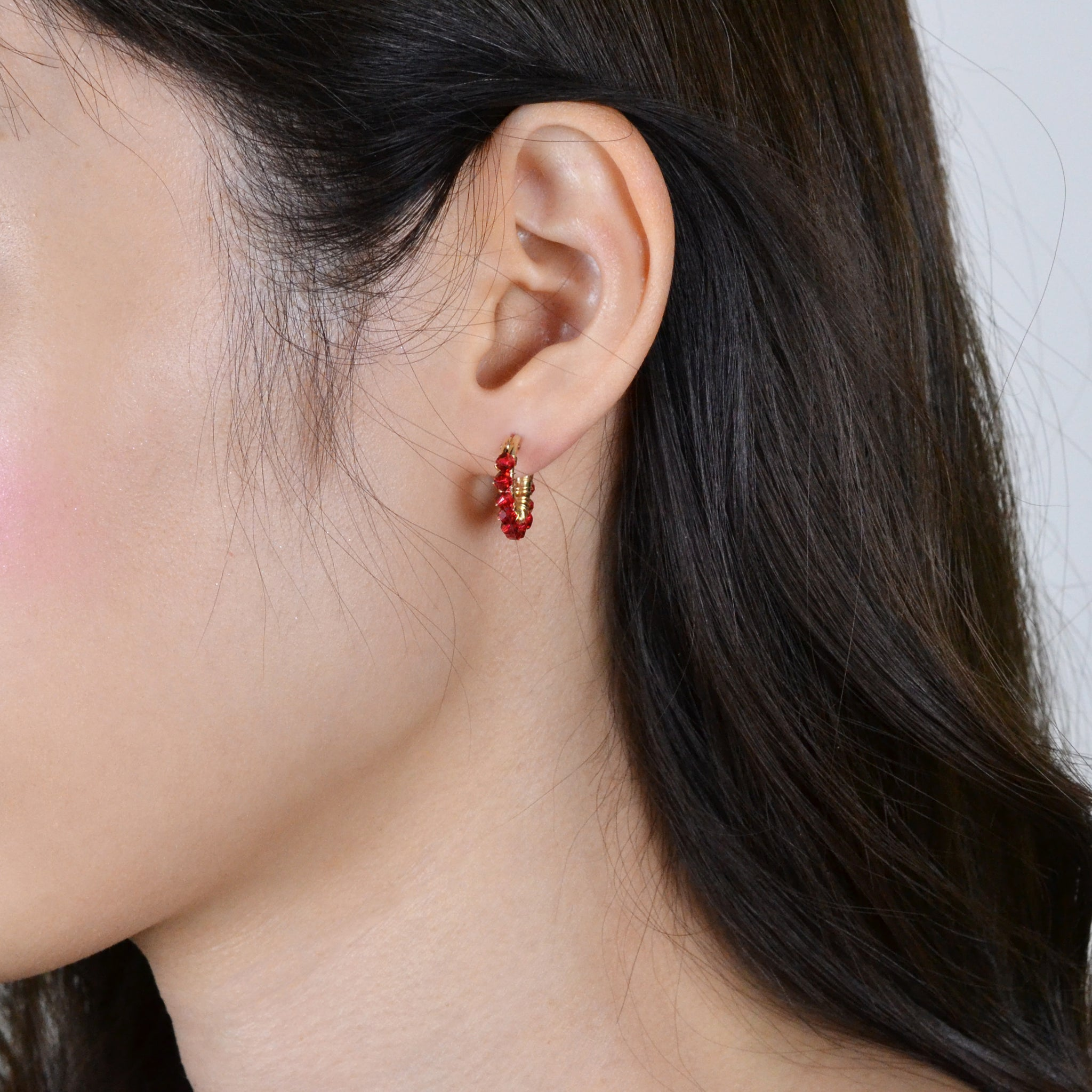 Crystal Wrapped Hoops S (Red)