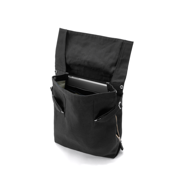 Qwstion Flap Tote Medium (all black)