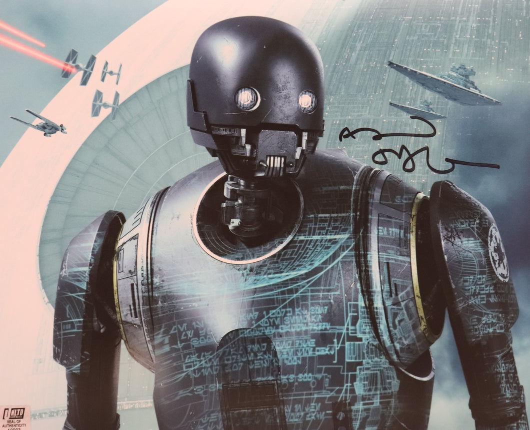 Alan Tudyk Signed Photo - K2S0 - Rogue (Landscape) - 10004