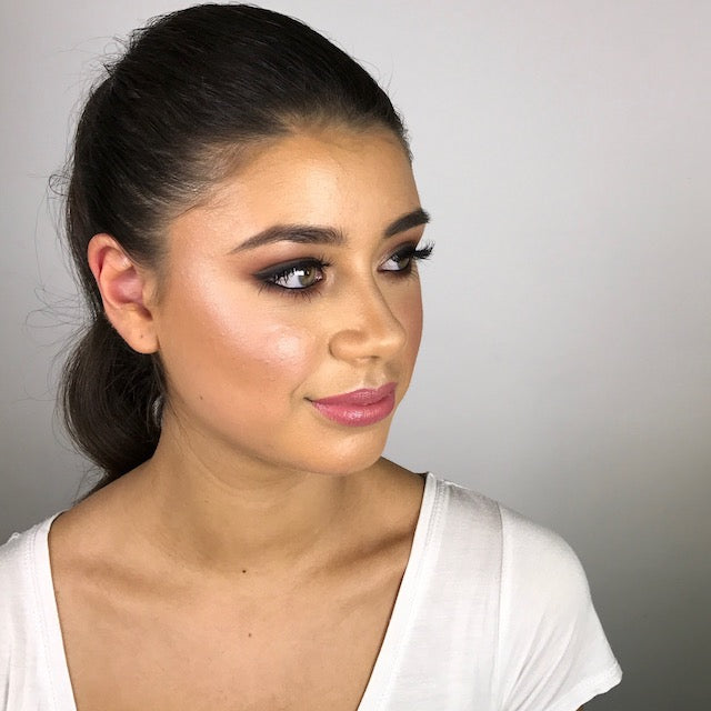BACK YOUR BEAUTY: FORMAL MAKEUP