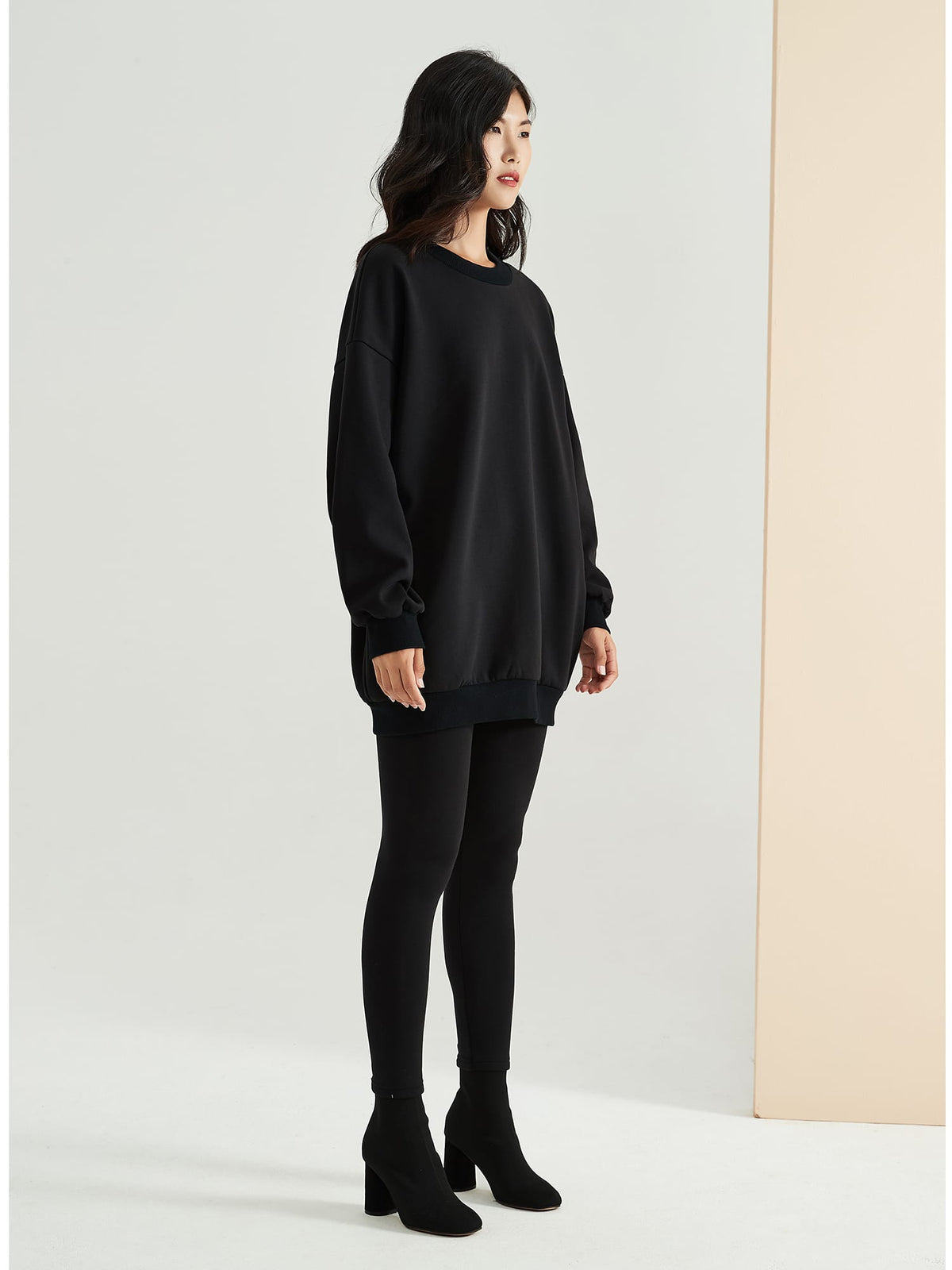 Cubby Sweater, Oversized - Classic Black