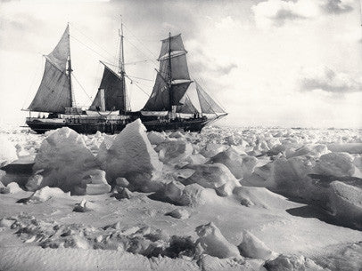 Endurance in full sail, in the ice (side view)
