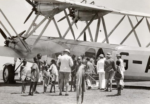 Passengers embarking on an Imperial Airways liner at Malakal