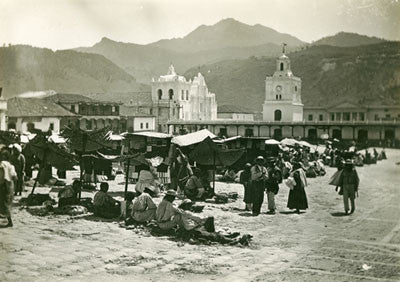 Market place at Tuetzaltemango
