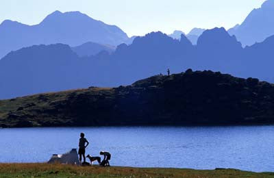 Lac Gentau & mountains, Ossau Valley, Pyr Atl, Aquitaine