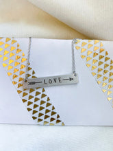 Load image into Gallery viewer, Love and Arrow Necklace