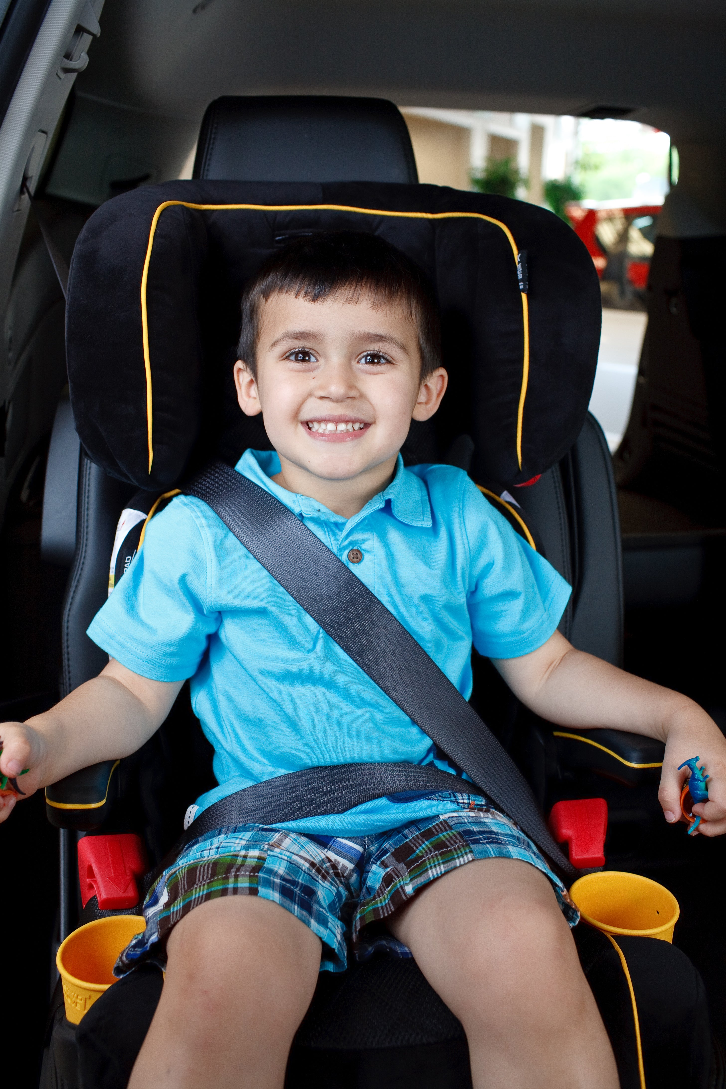 5 Awesome Tricks To Get Your Child To Sit In A Car Seat