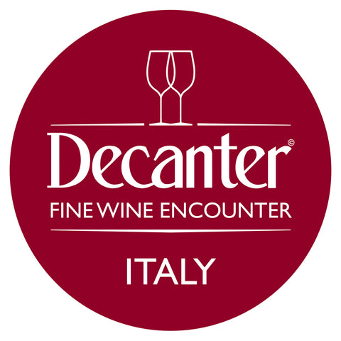 Mesa de ganadores de DWWA 2019 en el Decanter Italy Fine Wine Encounter 2020