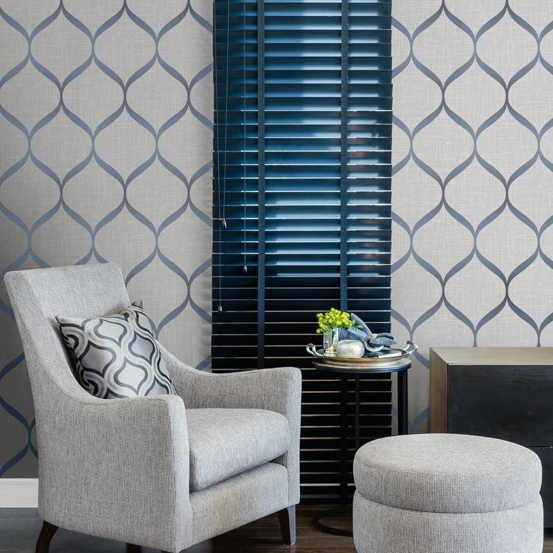 vs2177212pt An elegant 'ribbon trellis' designer wallpaper has a matted linen background and a pearl finish curve, in rich silver grey and blue