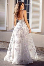 Load image into Gallery viewer, low back prom dress