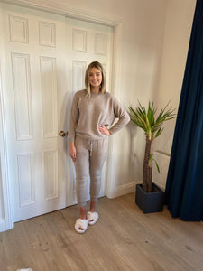 Lizzy Joggers in Camel