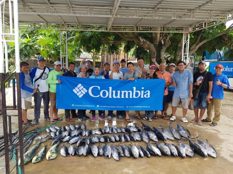 NIGHT FISHING AND LIVING THE ISLAND LIFE WITH COLUMBIA INDONESIA PERFORMANCE FISHING GEAR