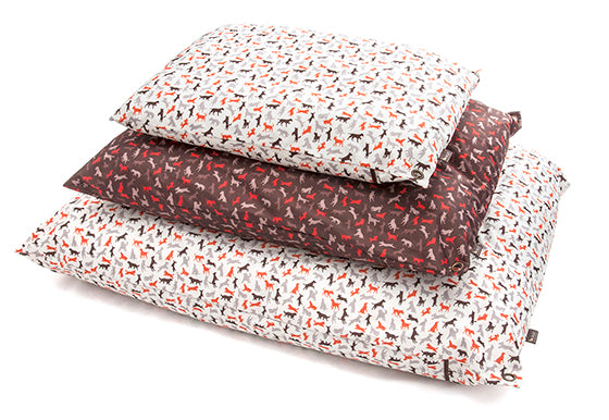 P.L.A.Y. Scout & About, Outdoor Bed for dogs, All Sizes , small, medium and large, on white background
