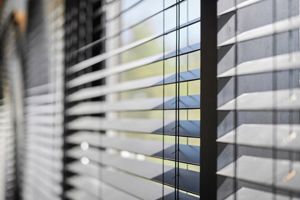 What's Cheaper, Blinds or Curtains?