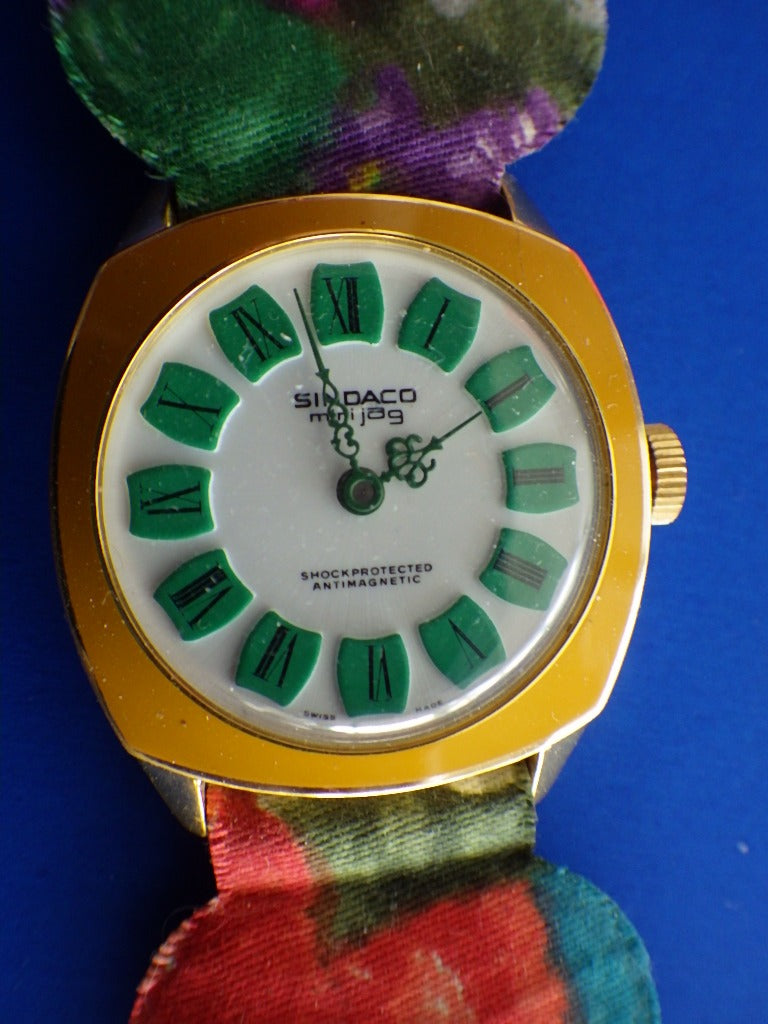 Vintage Sindaco Mini Jag Wind Up Designer Watch