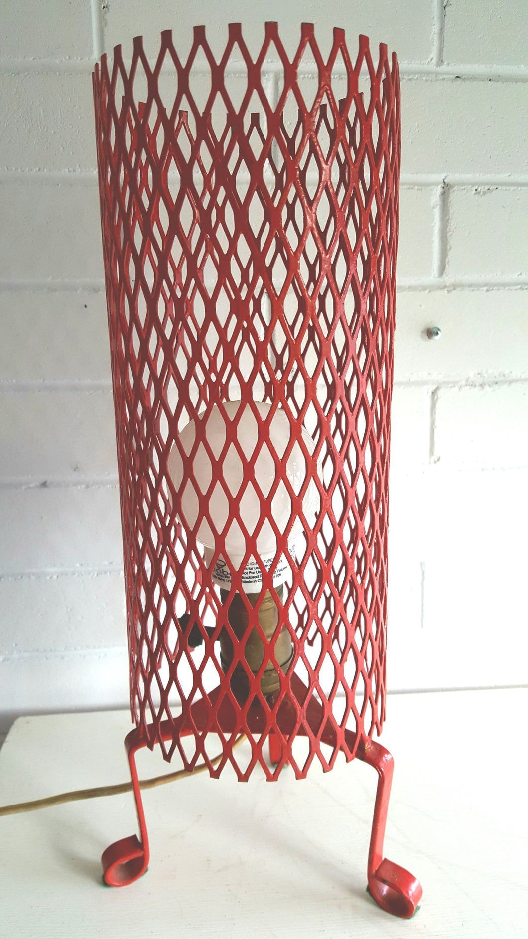 Mid Century Modern Red Wire Tripod Table Lamp