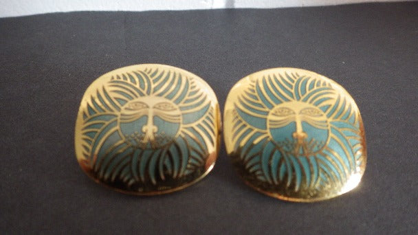 VINTAGE LAUREL BURCH ESKIMO LION PIERCED EARRINGS