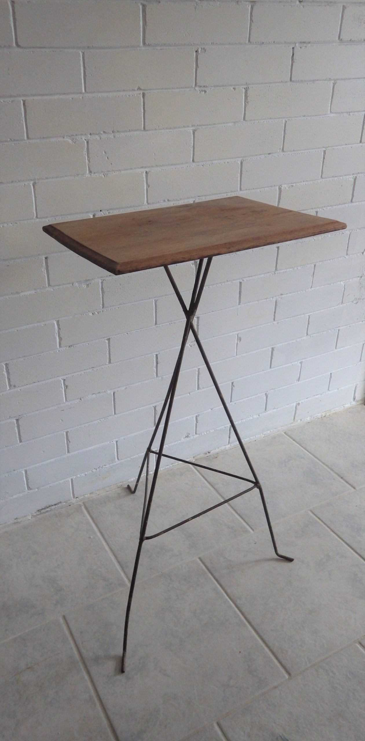 Modernist Roy Style Wire Frame Accent Table