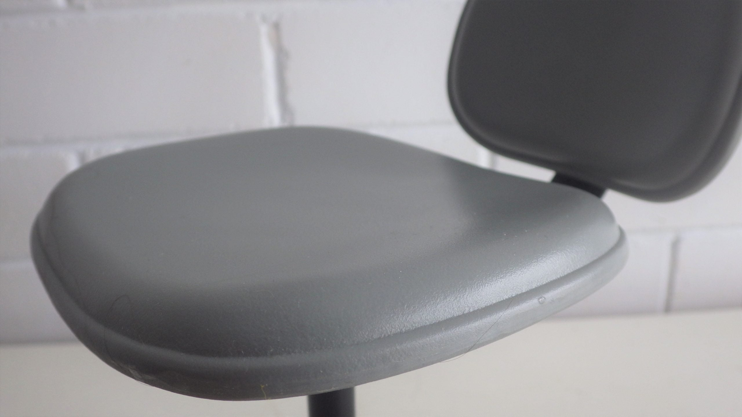 Vitra Eames Era Small Scale Miniature Office Chair