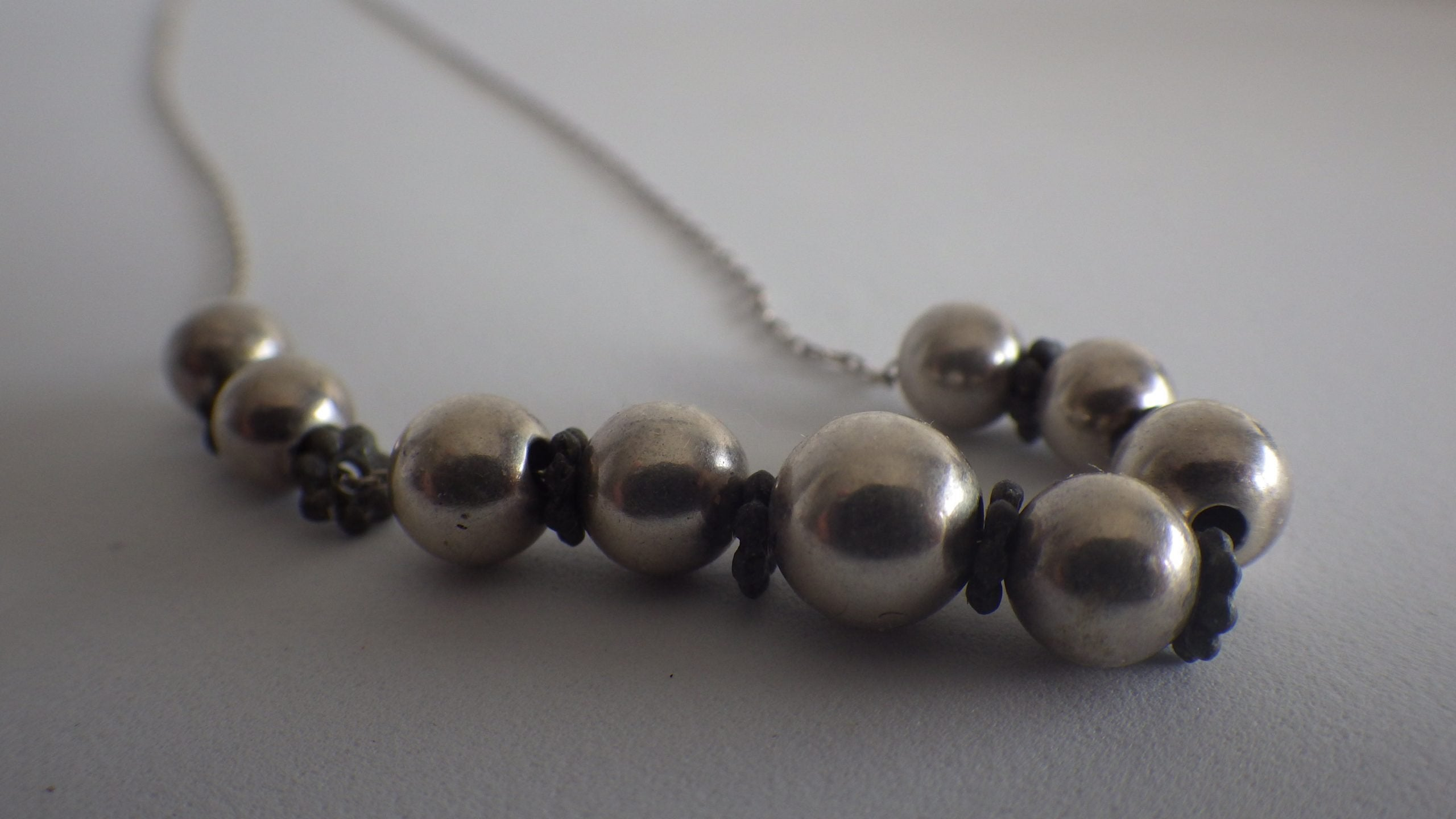 Vintage Sterling Silver Unique Ball Necklace & Chain