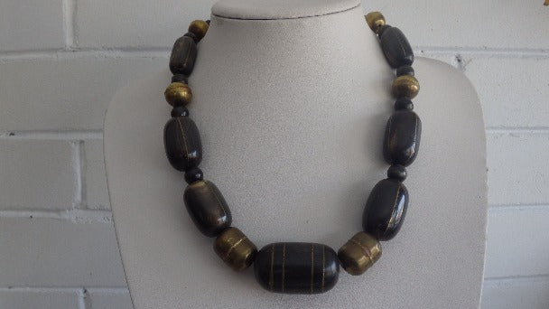 VINTAGE HORN & BRASS INLAY BARREL NECKLACE CHOKER