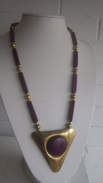 VINTAGE BRASS & BURGUNDY PURPLE HORN PENDANT SCANDINAVIAN MONIES