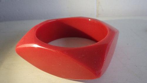 CELLULOID GEOMETRIC RED BANGLE BRACELET