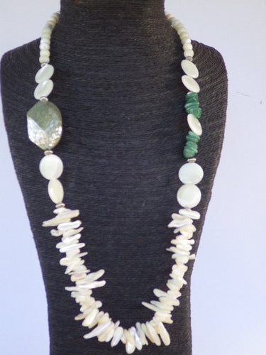 VINTAGE MONIES GERDA LYNGGAARD MULTI SHELL JADE STATEMENT NECKLACE