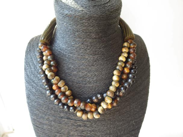 AMAZING STATEMENT MONIES GERDA LYNGGAARD MULTI COLOR BEAD WOOD HORN NECKLACE