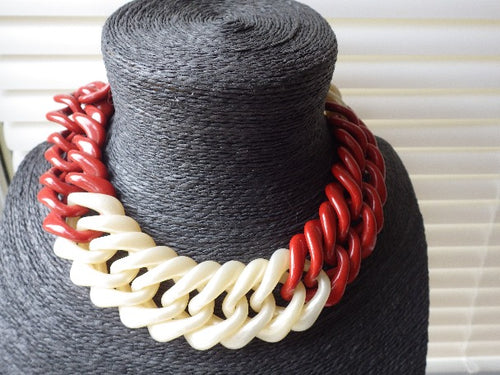 VINTAGE COLLAR LINK RED & CREAM NECKLACE CHOKER MATCHING BRACELET CELLULOID LUCITE